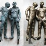 Bronzeskulptur mittels Glasperlenstrahlen gereinigt.