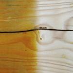 Altanstrisch von Holz mittels Sandstrahlen entfernt.
